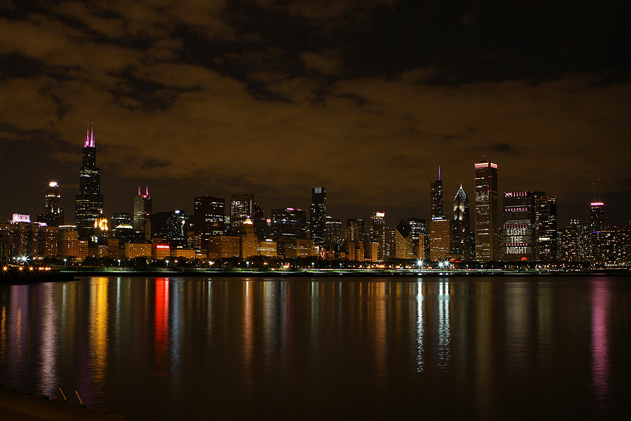 Chicago Lights The Night Raymond Boyd Photography